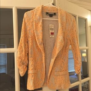 NWT Peach lace fitted blazer from buckle, daytrip